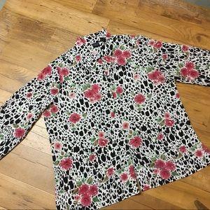 ☀️ 3/$15 Laura Scott Floral Button Down